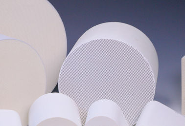 Honeycomb Ceramic / Catalyst Supports White For Vehicle Exhaust